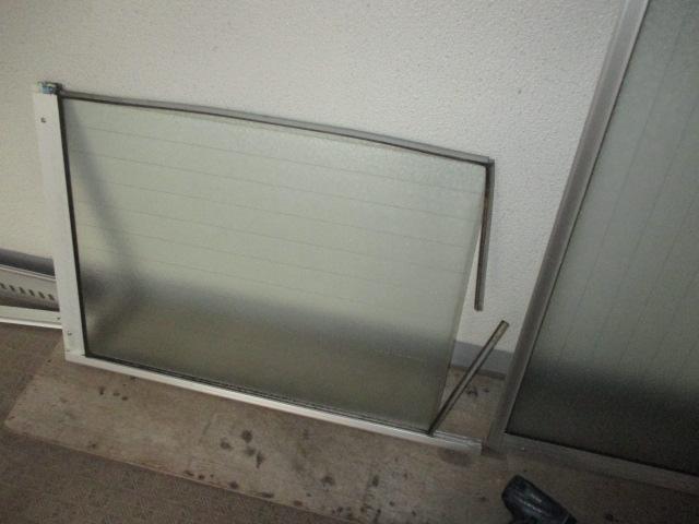 窓枠のゴムの交換