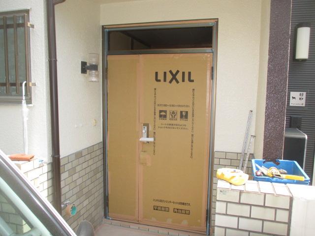 玄関ドア仮はめサイズ確認